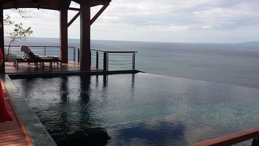 Resort infinity pool
